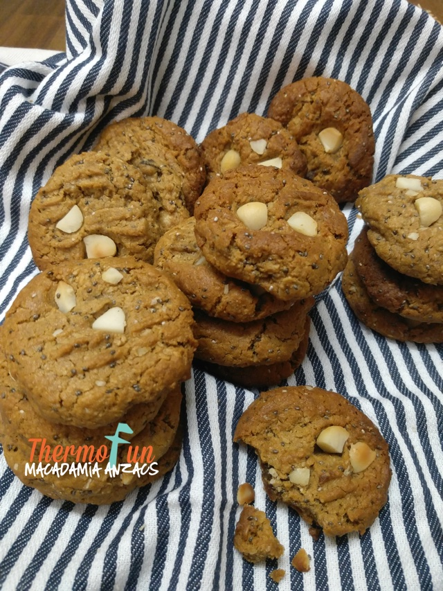 Macadamia Anzac Biscuits – ThermoFunkies July 2018